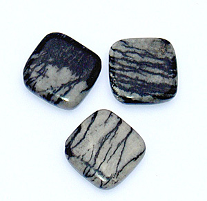 Black veined jaspis